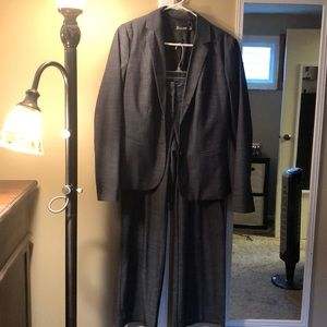 New York & Co pant suit